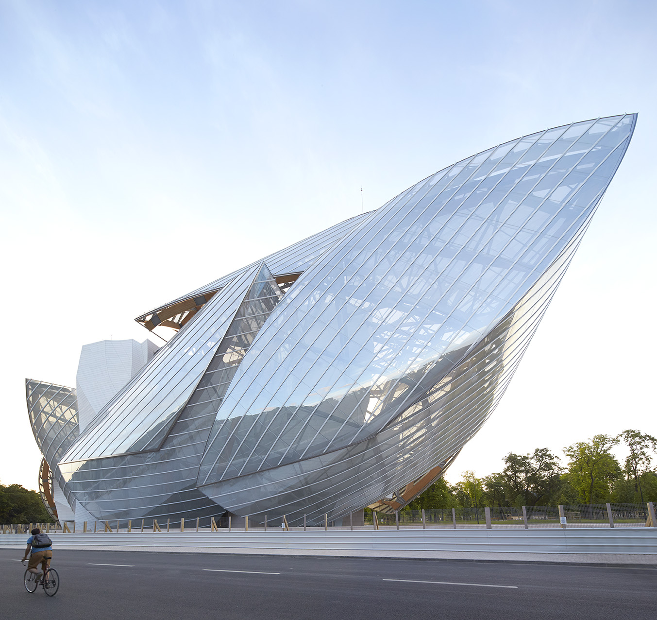 Hufton crow projects louis vuitton foundation - Frank gehry louis vuitton ...